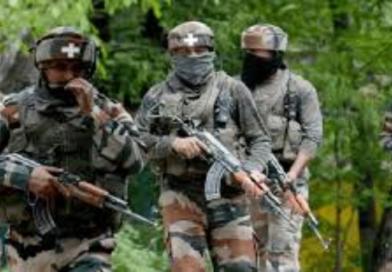 जम्मू-कश्मीर अनंतनाग में सुरक्षाबलों ने 4 आतंकवादियों को मार गिराया