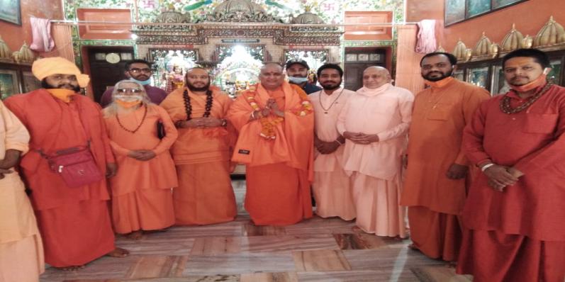 जागनाथ महादेव मंदिर मेवाड के घनश्याम बाव ने ली सन्यास दीक्षा